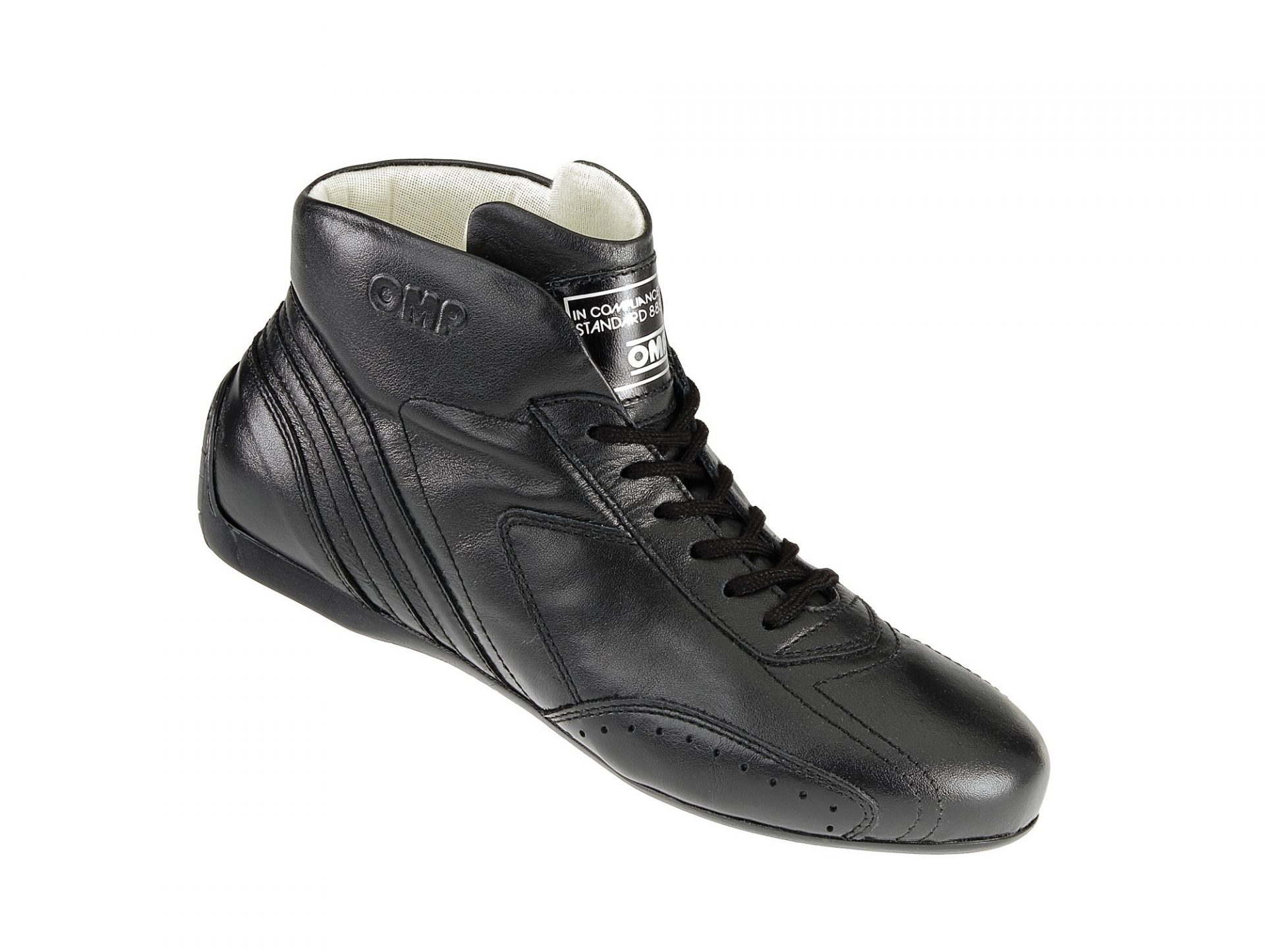 Нов продукт: OMP Carrera Low, FIA Shoes