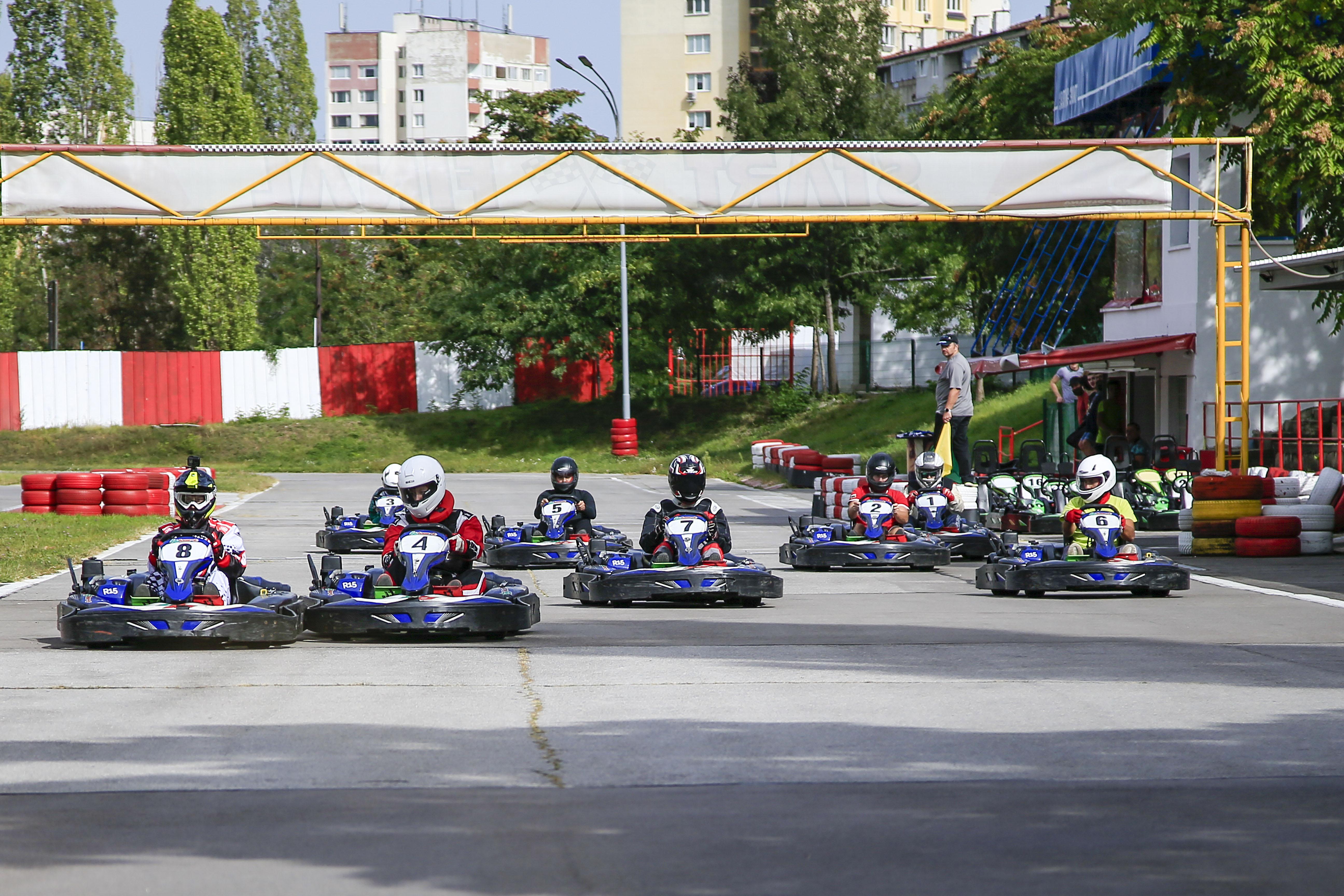 Барболов и Варсано в битка за титлата в Auto-Kart